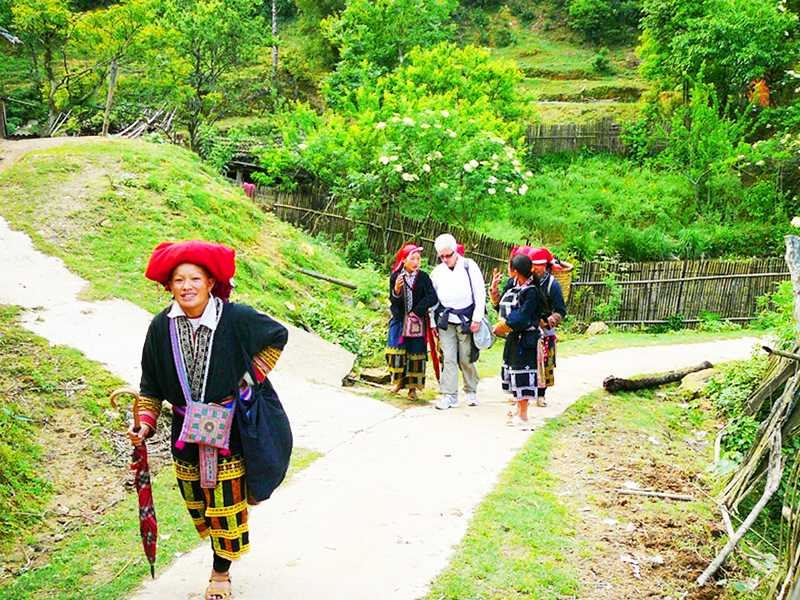 Mai Chau Easy Tours 3 Days 2 Nights